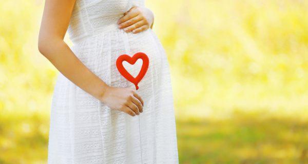 مصرف رژ لب برای زنان باردار ممنوع